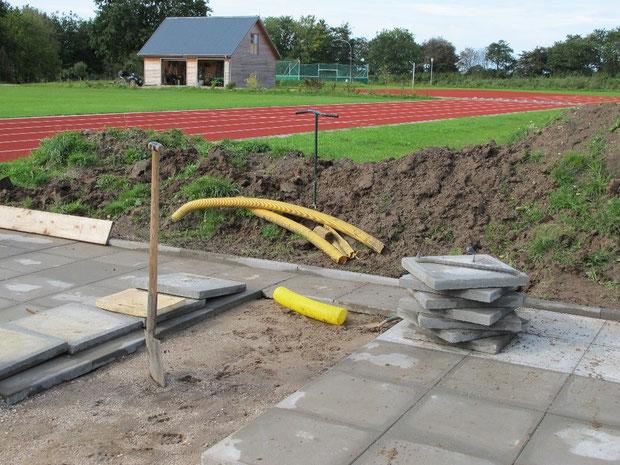 13.9.2011 - Verlegung der Betonplatten