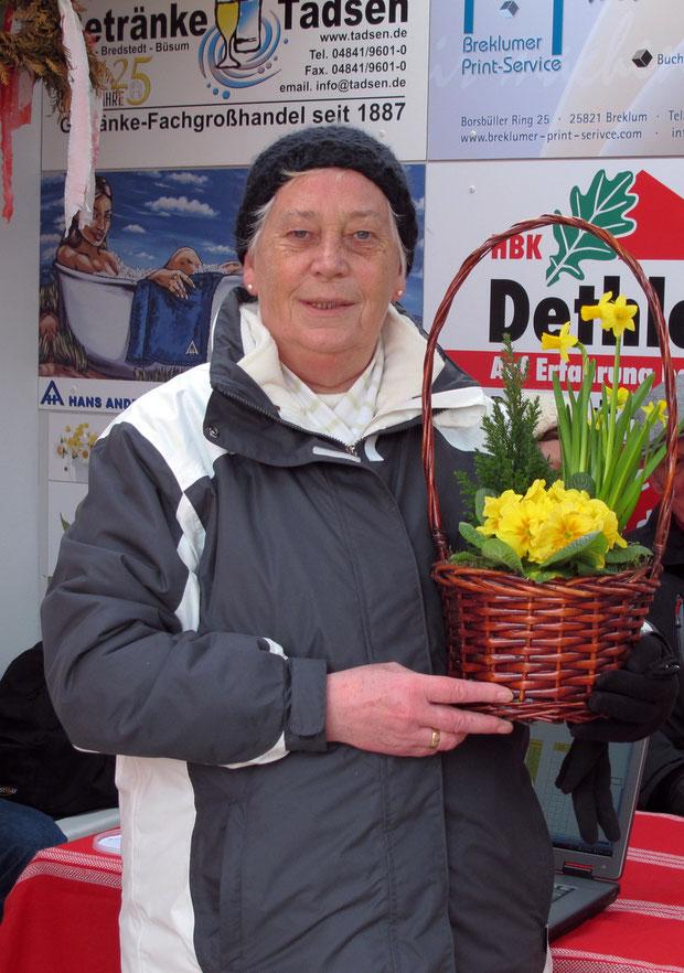 10.3.2012 - Die Siegerin des 4. Chapeau-Turniers der Geest-Bouler: Edith Sönksen.