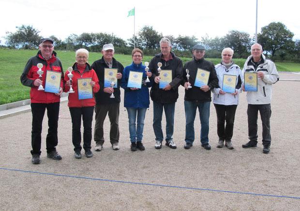 v.l.: Karl-Heinz + Inga - Vereinsmeister Doublette 2013, Manfred H. + Petra - 2. Platz, Horst + Bernd-Rito - 3. Platz, Annelie + Jochen - 4. Platz