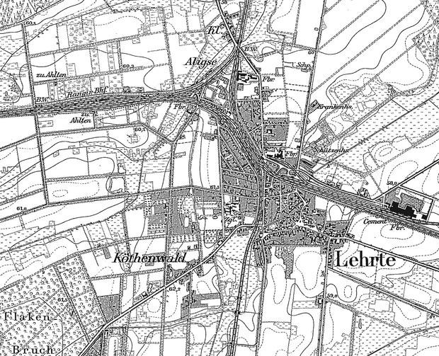 Lehrte im Jahr 1896: Der süd-östliche Teil besteht aus dem ursprünglichen Dorf Lehrte. Das Zentrum der schnell wachsenden neuen Stadt ist der im Jahr 1843 errichtete Bahnhof.