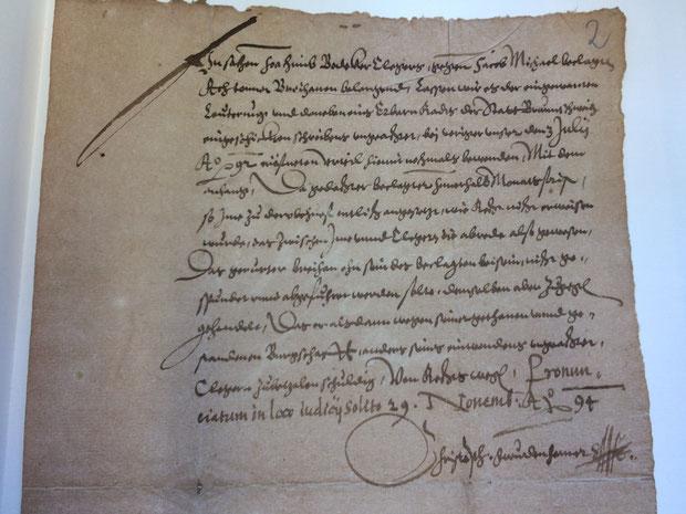 Aktennotiz aus dem Jahr 1594 zu einem Gerichtsverfahren  zwischen zwei Hannoveranern, Streitgegenstand: 8 Tonnen Broyhan (Stadtarchiv Hannover: 1.AA.2.01 Nr. 1603)