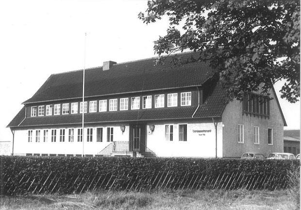 Die westdeutsche Zentrale des Bundessortenamts im Großen Freien in der Ortschaft Rethmar (Foto aus den 1950er Jahren)