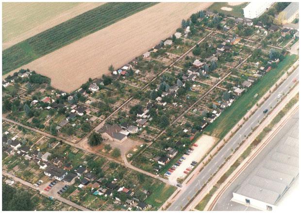 eine alte Luftbildaufnahme von einem Gartenfreund