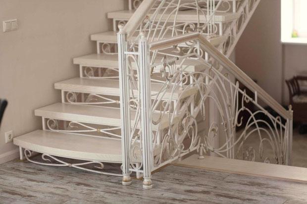 Лестницы в Кургане