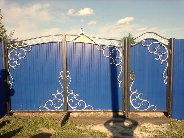 Кованые ворота белая ковка