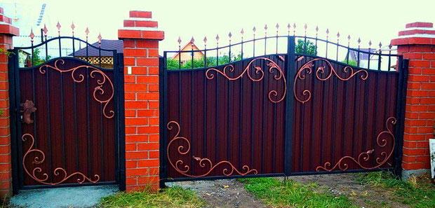 Ворота с узорами из профлиста