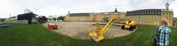 Die Aufbauarbeiten für die Schlosslichtspiele sind in vollem Gange