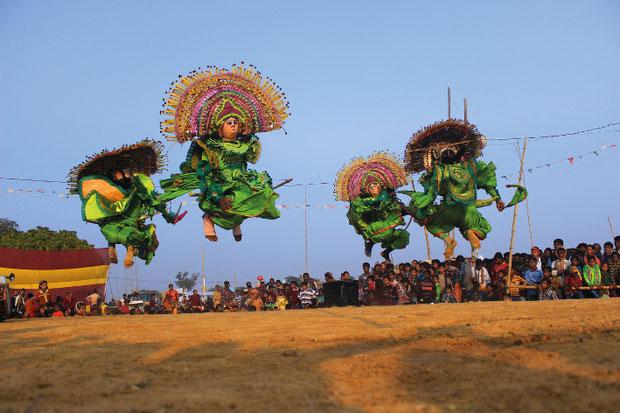 (c) banglanatak.com/TourEast