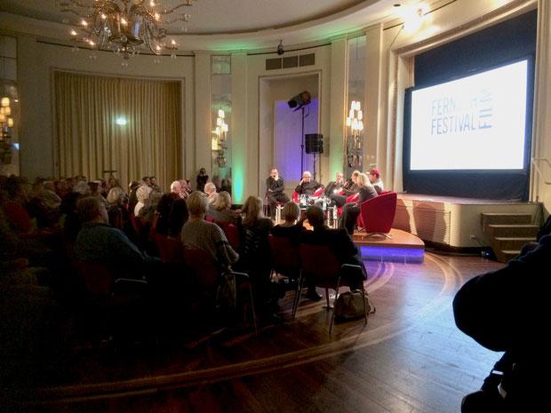 Erheiternd war nicht nur die Filmvorführung beim Fernsehfilmfestival Baden-Baden, sondern auch der anschließende Talk mit Crew und Cast.