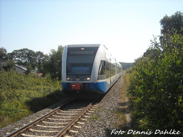 2 GTW 2/6 Fahrzeuge Bei Der Einfahrt In Kölpinsee