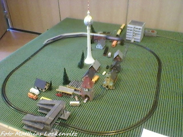 Modellbau-Ausstellung In Bergen auf rügen vom 9 september / hier Sehen  Sie Meine Züge / Hier Fuhr Nur Der Interconnex mit Der BR 185