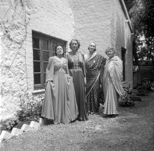 MSI Collection ; 1937,  India - (L-R) Delia deLeon, Jean Adriel, Norina Matchabelli & Elizabeth