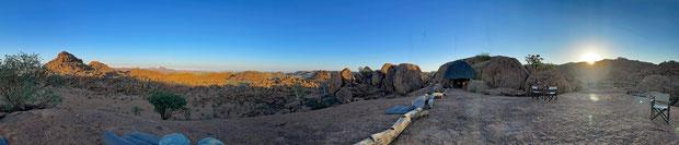 Panorama beim Sonnenaufgang in der Mowani Mountain Lodge