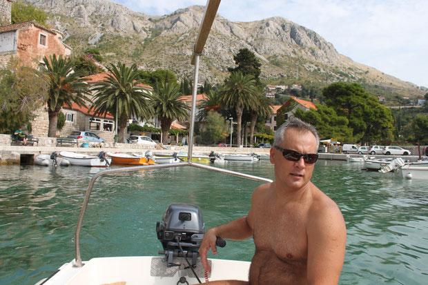 Bootsfahrt mit Andrija an der Küste und zur Insel Supetar.