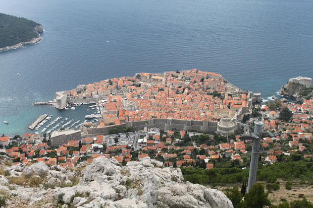 Blick vom Srd auf die Altstadt von Dubrovnik.