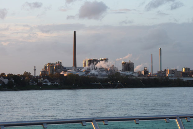Industrie in der Abendsonne.