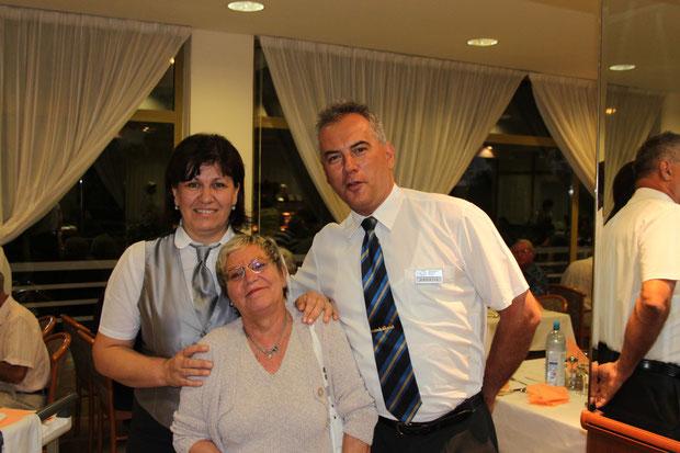 Unsere Lieblingskellner im Astarea, Iva und Andrija.