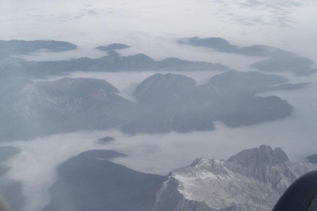 Über den Alpen.