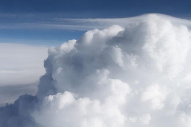 Über den Wolken a la Reinhard Mey.