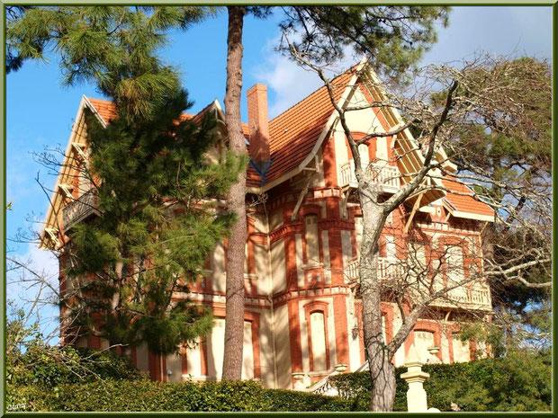 La villa St Arnaud en Ville d'Hiver à Arcachon