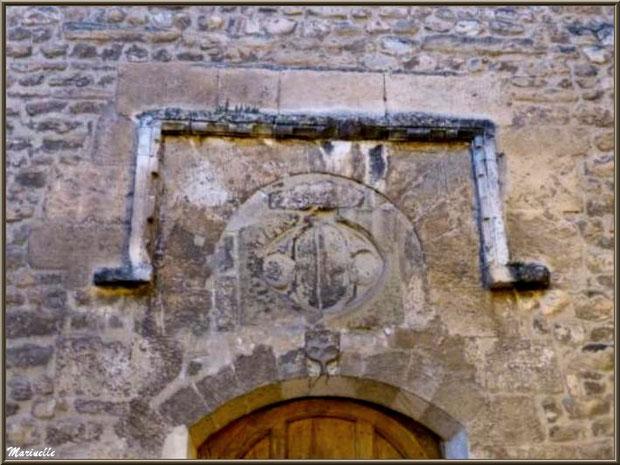 Dessus de la porte d'entrée de l'église Saint Véran, Fontaine de Vaucluse, Pays de La Sorgue, Vaucluse (84)