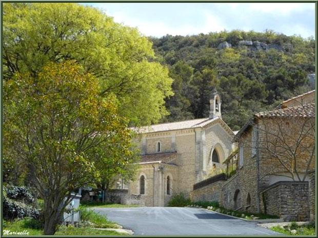 L'église de l'Ermitage Saint Gens, village de Le Beaucet, Lubéron (84)