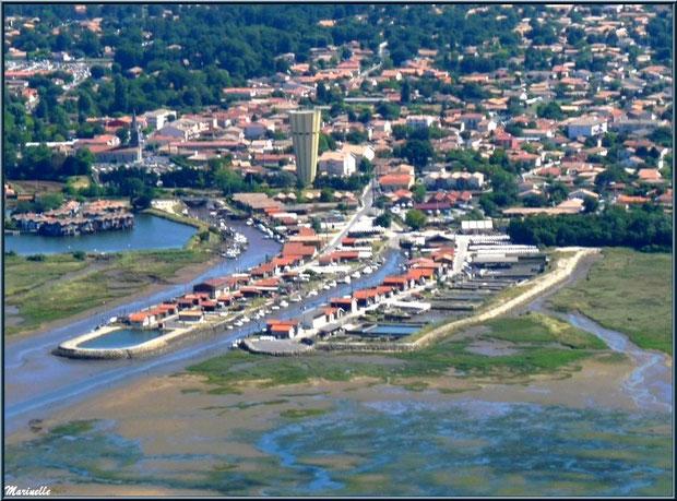 Gujan Mestras avec son port de La Passerelle, la marina Ostrea Edulis et son château d'eau, ses