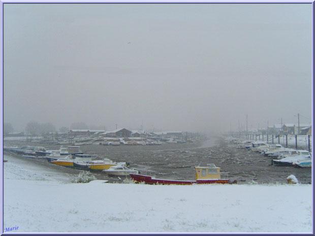 Le port ostréicole de La Teste de Buch sous la neige en décembre 2010, Bassin d'Arcachon