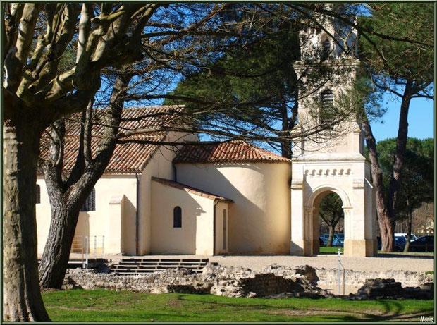 L'église Saint-Eloi et une partie des vestiges de la villa Gallo-Romaine à Andernos-les-Bains, Bassin d'Arcachon