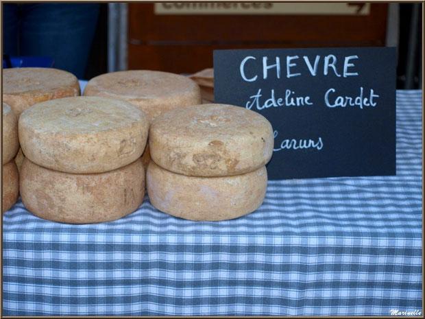 Etal fromage de chèvre, Fête au Fromage, Hera deu Hromatge, à Laruns en Vallée d'Ossau (64)