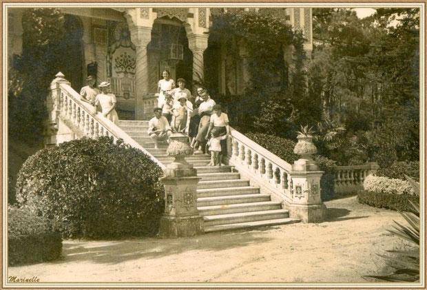 grand escalier de la Villa Algérienne au Village de l'Herbe, Bassin d'Arcachon
