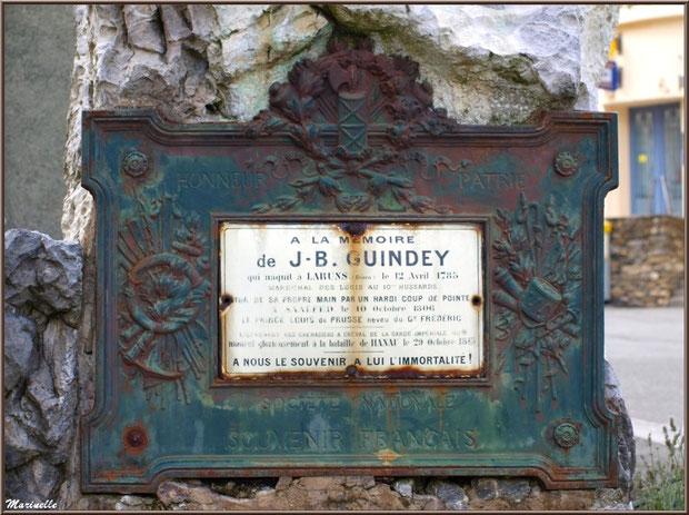 Détail plaque sur le monument à la mémoire de J.B. Guindey, village de Laruns, Vallée d'Ossau (64)