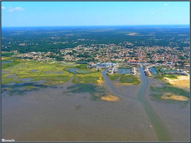 Gujan Mestras et ses ports de Larros, du Canal, de La Barbotière et les près salés de l'Estey de la Molle , Bassin d'Arcachon (33) vu du ciel