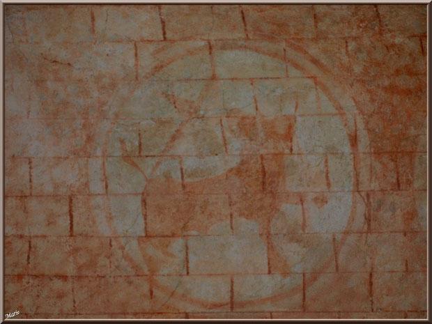 Eglise St Michel du Vieux Lugo à Lugos (Gironde) : une des fresques murales des 4 évangiles dans la voûte du choeur