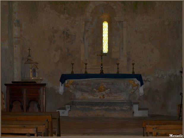 Autel, coffre à hosties et prêchoir de l'église Saint Pierre de Mons à Belin-Beliet (Gironde)