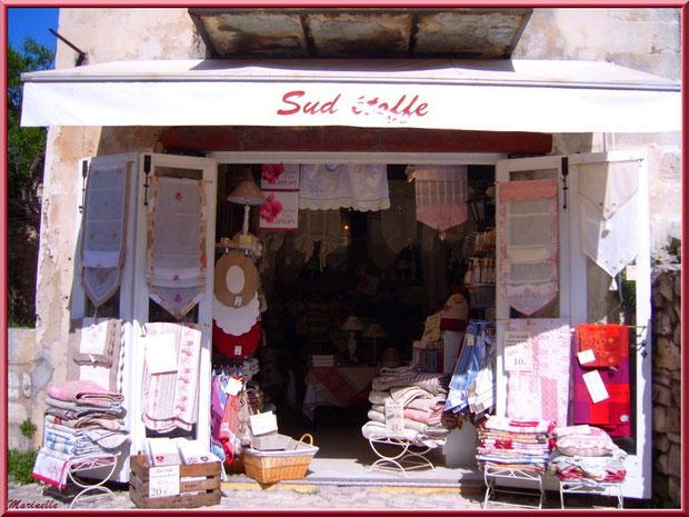 """Boutique de linge de maison provençal """"Sud étoffe"""", Baux-de-Provence, Alpilles (13)"""