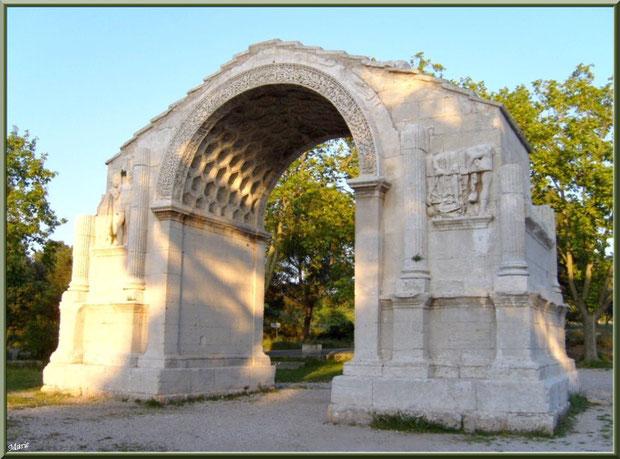 L'Arc de Triomphe des Antiques à Saint Rémy de Provence, Alpilles (13)