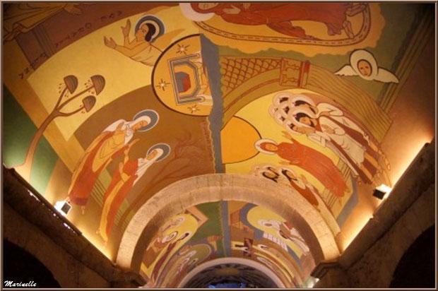 Sanctuaire Notre Dame de Lumière, fresque de la crypte - Goult, Lubéron - Vaucluse (84)