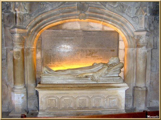 Le tombeau de la famille de Manville dans l'église Saint-Vincent, Les Baux-de-Provence, Alpilles (13)
