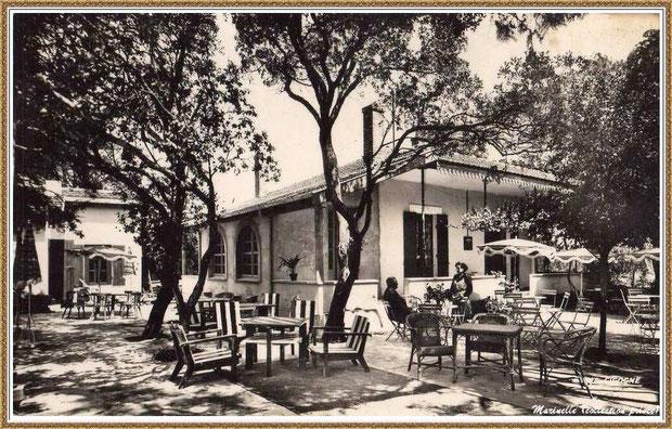 """Gujan-Mestras autrefois : Salon de thé """"Au Bain de Soleil"""", Bassin d'Arcachon (carte postale, collection privée)"""