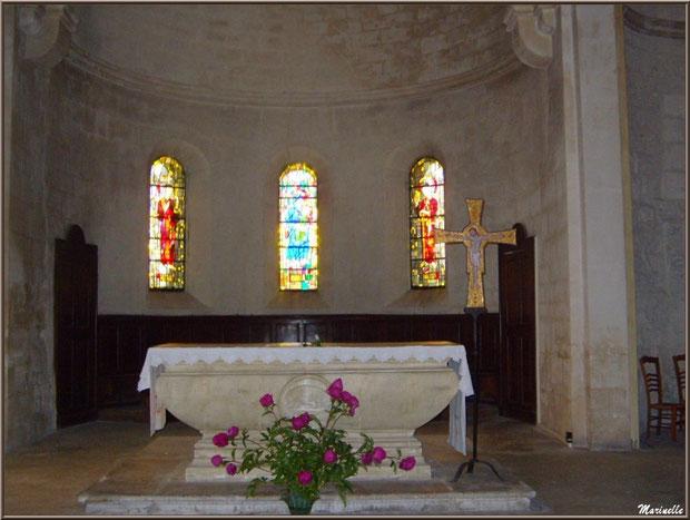 L'autel de la chapelle du monastère de Saint Paul de Mausole à Saint Rémy de Provence (Alpilles - 13)