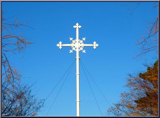 La Croix des Marins à Arcachon , Ville de Printemps, Bassin d'Arcachon