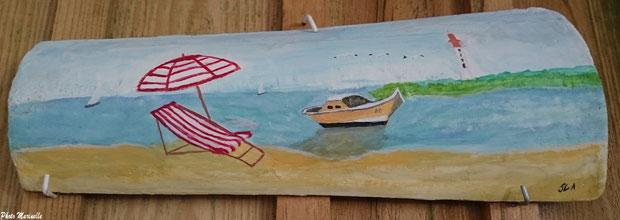 """JLA Artiste Peintre - """"Pinasse, chaise longue et parasol au large du Cap Ferret"""" 018 - Peinture sur tuile ostréicole (Bassin d'Arcachon)"""