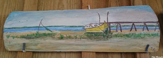 """JLA Artiste Peintre - """"Pinasse jaune à quai"""" 010 - Peinture sur tuile ostréicole (Bassin d'Arcachon)"""