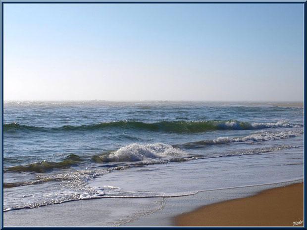 """Bord de plage et les vagues à """"La Pointe"""" Cap Ferret, Bassin d'Arcachon"""