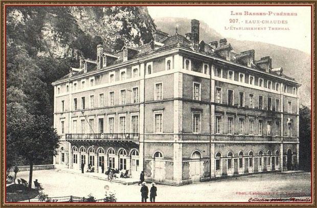 Carte postale ancienne - L'établissement thermal vers 1900, Vallée d'Ossau (64)
