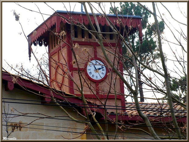 L'horloge des anciennes écuries de Péreire à Arcachon, Bassin d'Arcachon (33)