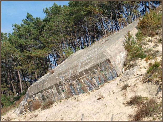 Blockhaus en bordure de plage de La Corniche à Pyla-sur-Mer, Bassin d'Arcachon (33)