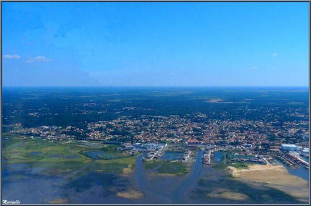Gujan Mestras avec ses ports du Canal, de La Barbotière, ses près salés, ses réservoirs et l'Estey de la Molle, Bassin d'Arcachon vu du ciel (33)