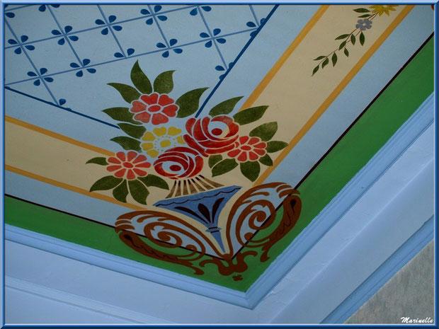 Fresque en coin du plafond, identique sur 3 coins